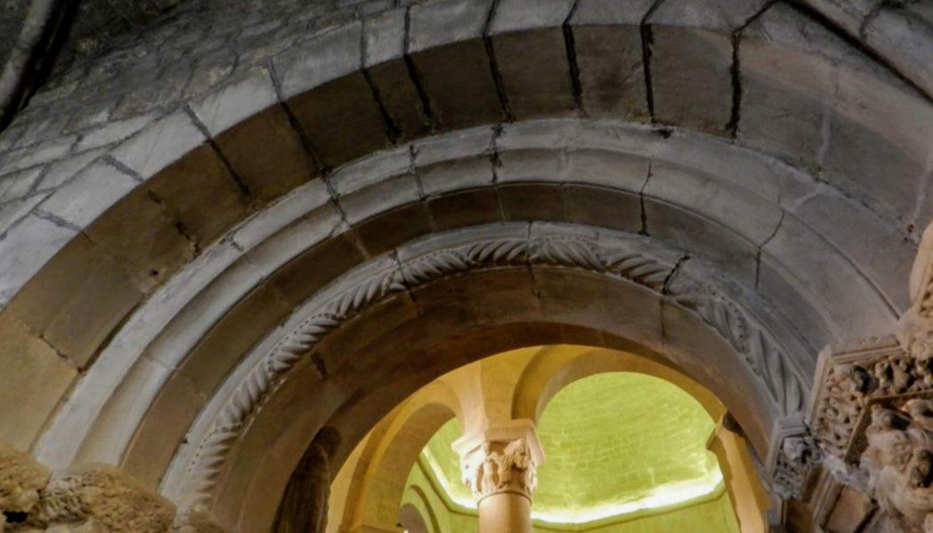 Voussure du portail primitif de l'église Ste-Marie de Rieux-Minervois