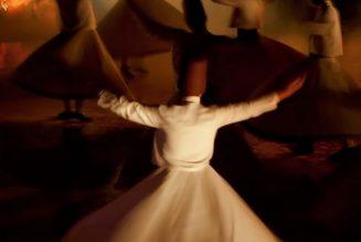 Sama, danse giratoire sacrée des derviches tourneurs soufis