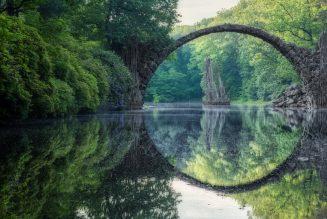 L'arche du pont du diable, parc d'azalées et de rhododendrons de Kromlau
